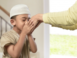 25 Quotes about Parents - Mufti Menk